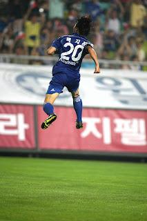 Baek Ji-hoon celebrates