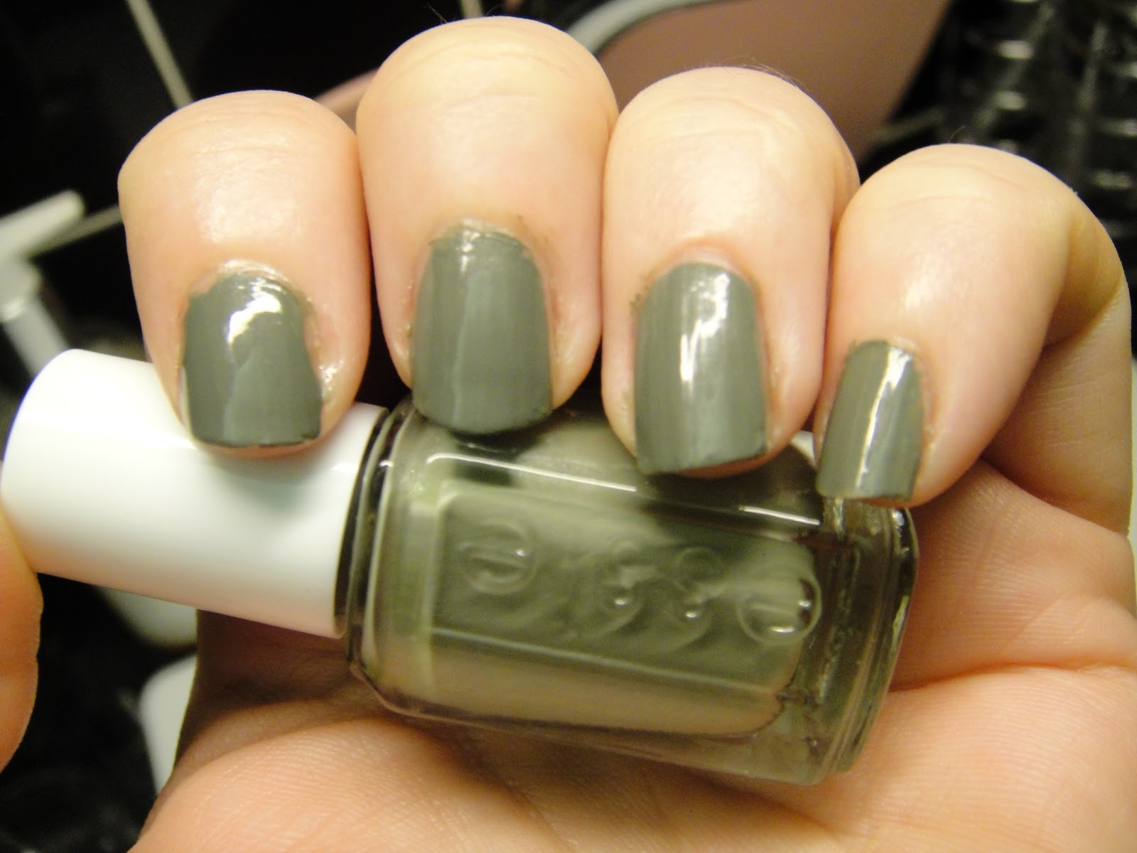 Nail of the Day - Essie: Sew Psyched - Get Lippie
