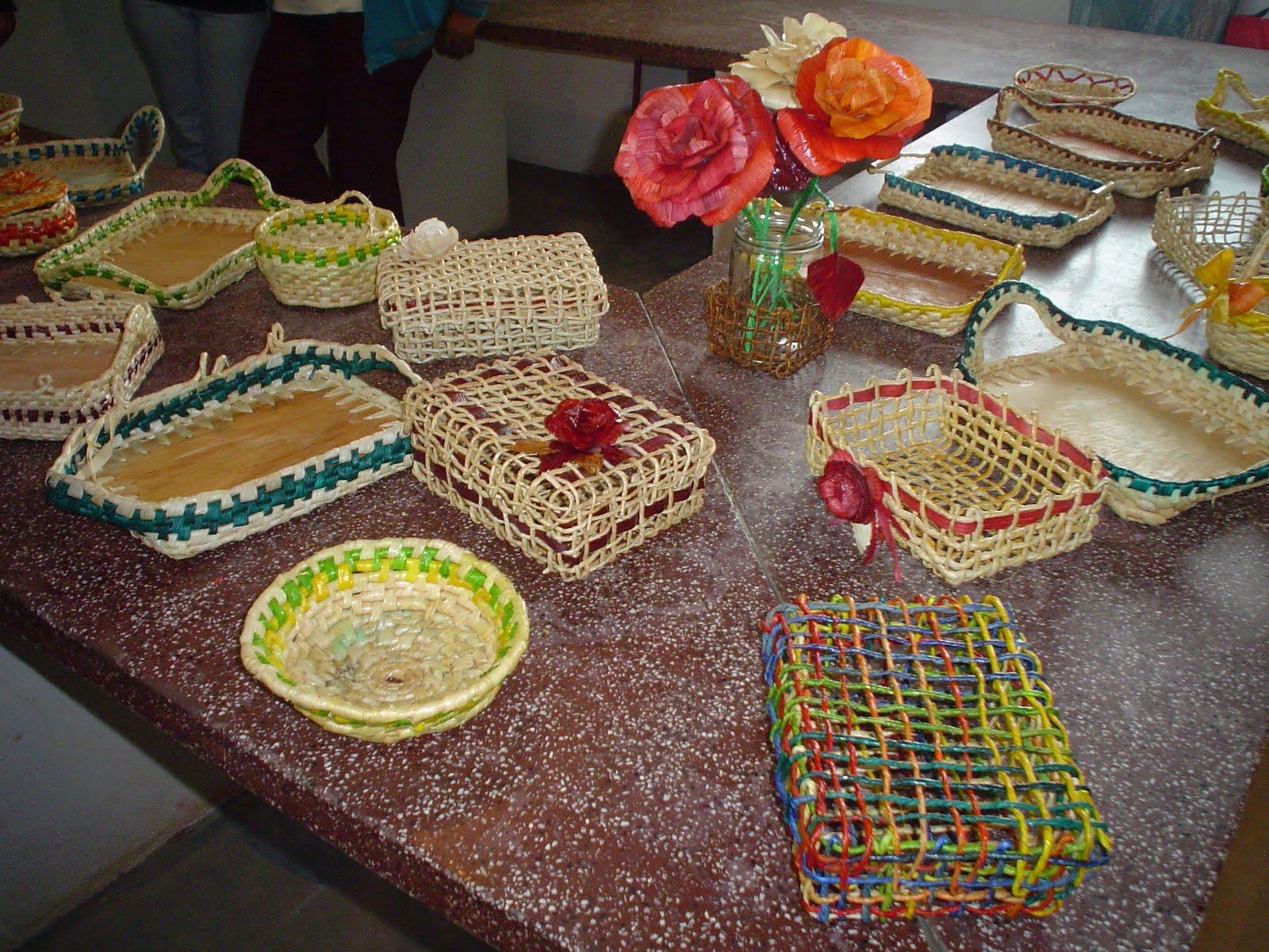 Território Adentro Artesanato transforma palha de milho