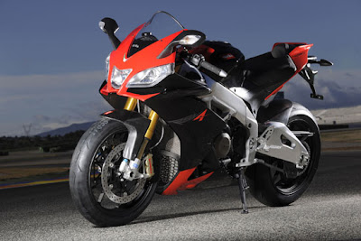 Aprilia RSV4Factory 2010 motorcycle picture
