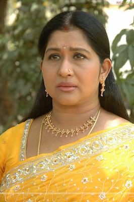 actress in telugu movie kamapichachi kamapisachi actress dont wear