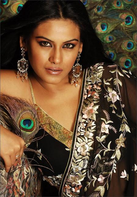 Bindu Chowdary sexy