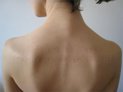 Tatuaje en braile