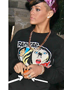 Accessing: Rihanna: Fotos:Rihanna no Restaurante Cipriani com Akon e L.A. .