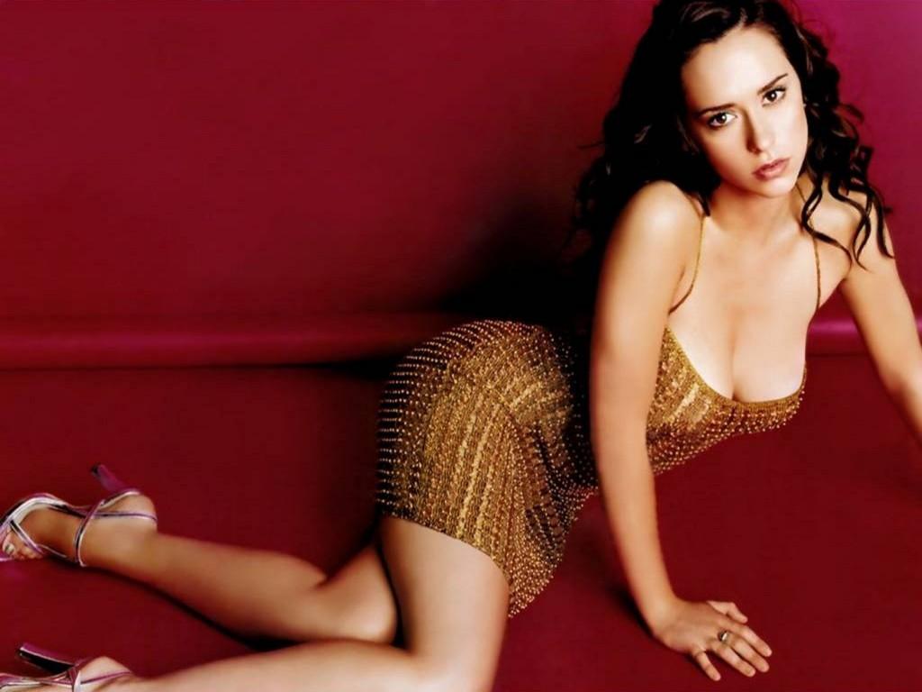 http://3.bp.blogspot.com/_bKlP91-VAMs/SxAgo1-p-tI/AAAAAAAADH0/lpteu-qjZ5k/s1600/Jennifer+Love+Hewitt+Hot+Sexy+Actress++Ghost+whisperer+TV+Show++Nice+boobs+Bikini+Cleavage+Nude+(33).jpg