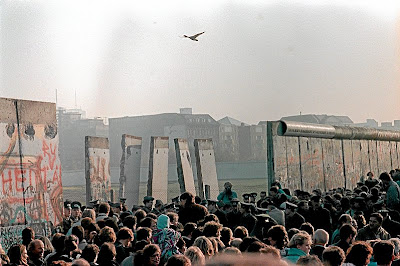 berlinmuren längd