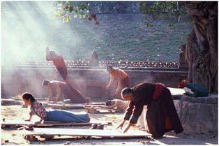 BREATH DEEP AND MOVE - 5 Tibetans Energy Movements