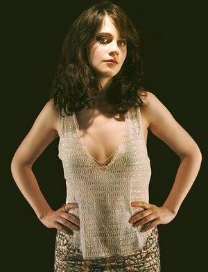 [Image: zooey-deschanel-2.jpg]