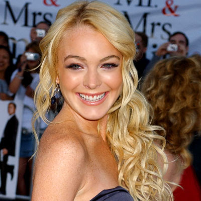 Lindsay Lohan 2010 Curly Beach Blonde Haircut Styles