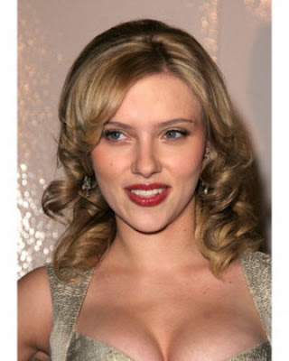 Scarlett Johansson Curly Hairstyles for Medium Hair