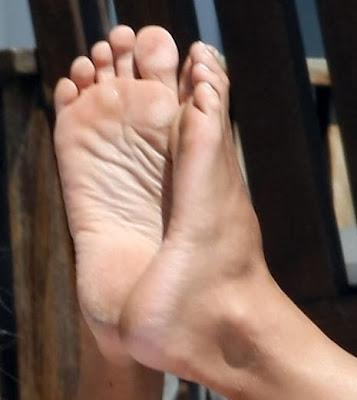 sara gilbert leaked nude photos