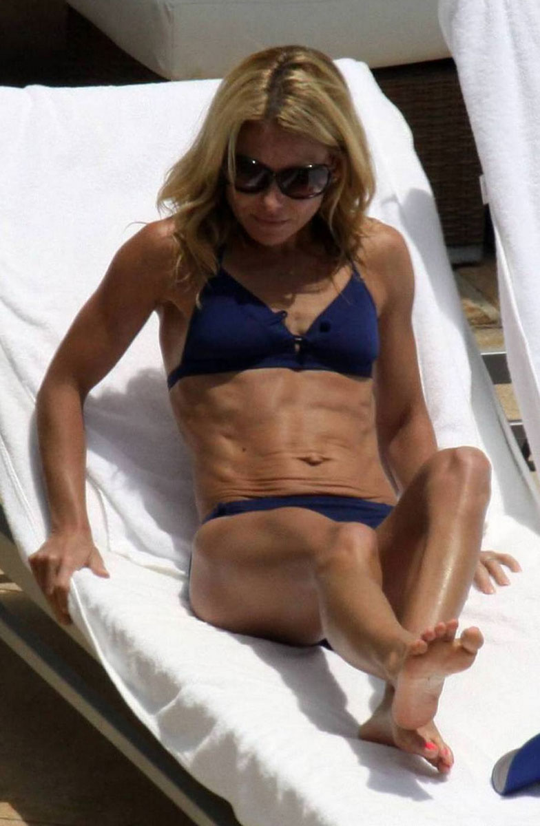 Kelly Ripa Feet