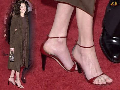 Julia roberts feet 4g julia roberts is a super mega actress known for loads of hit movies voltagebd Choice Image