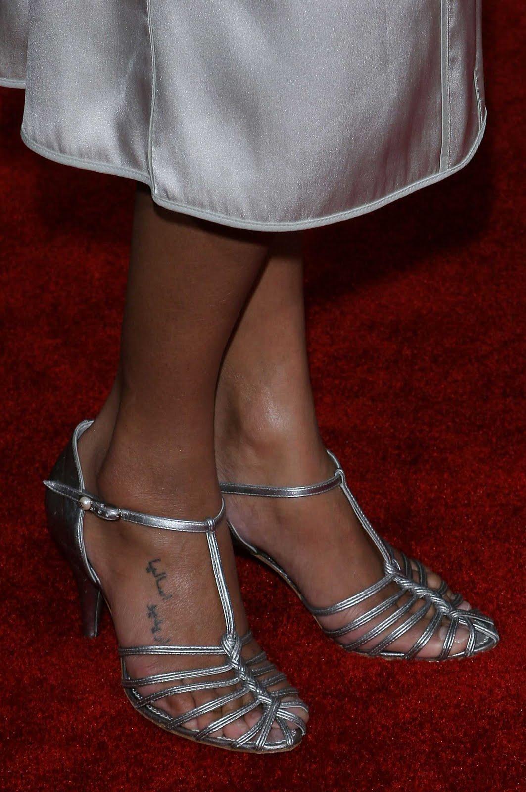 zoe-saldana-feet-2 jpgZoe Saldana Feet