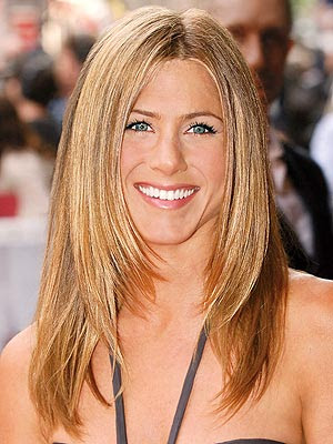 Celebrity Hair | Short Hair: Jennifer Aniston Sandy Blonde Hair