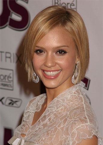 dark brown hair with blonde highlights. Jessica Alba Blonde Hair