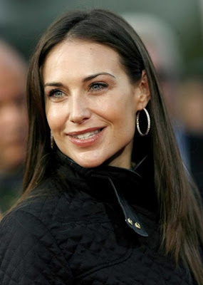 Claire Danes Plastic Surgery on From The Movie Mallrats And Meet Joe Black  Claire Forlani S Teeth