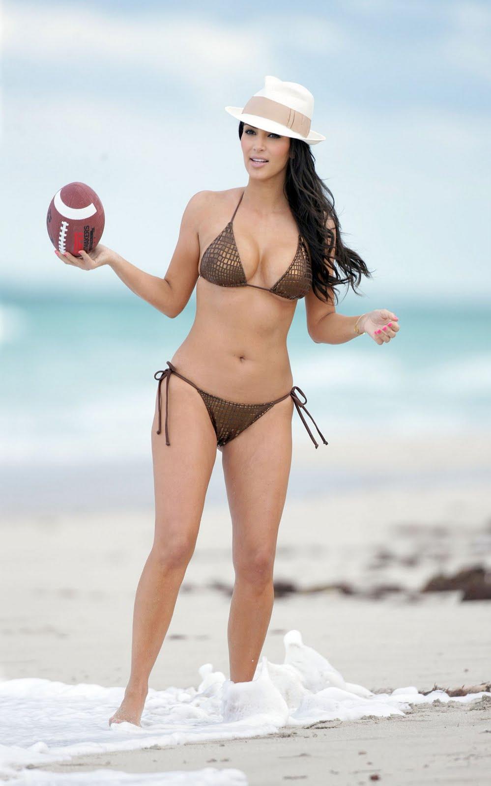 Diary Lifestyles Kim Kardashian Miami Beach Bikini