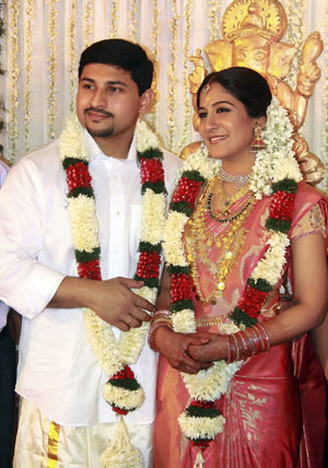 Pictures Of Playback Singer Rimi Tomy Wedding Photos Rock Cafe