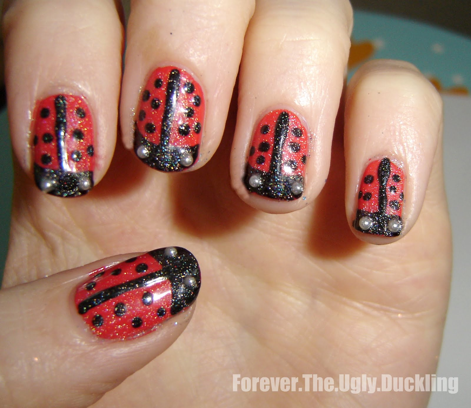 Forever the ugly duckling: NOTD: Ladybug Nails (Nail Art Pens)