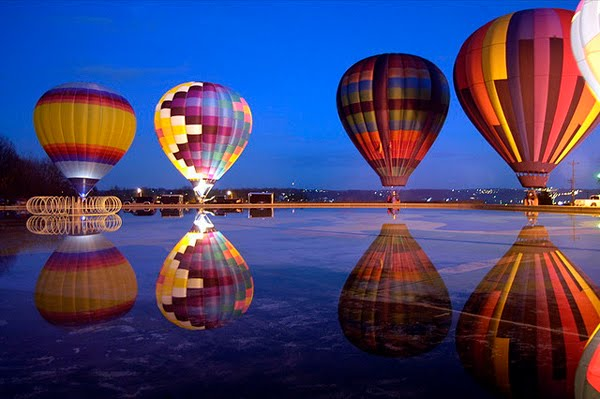 Balluminaria hot air balloon