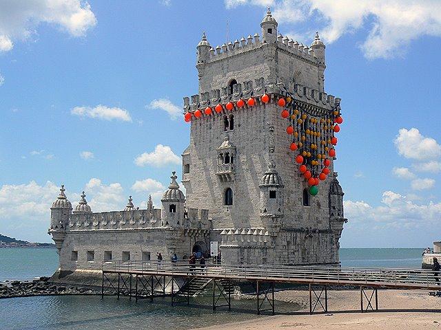 [torre_de_belem_por_joana_vasconcelos.jpg]