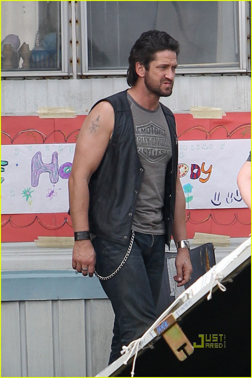 Scottish Actors Gerard Butler On The Machine Gun Preacher Set