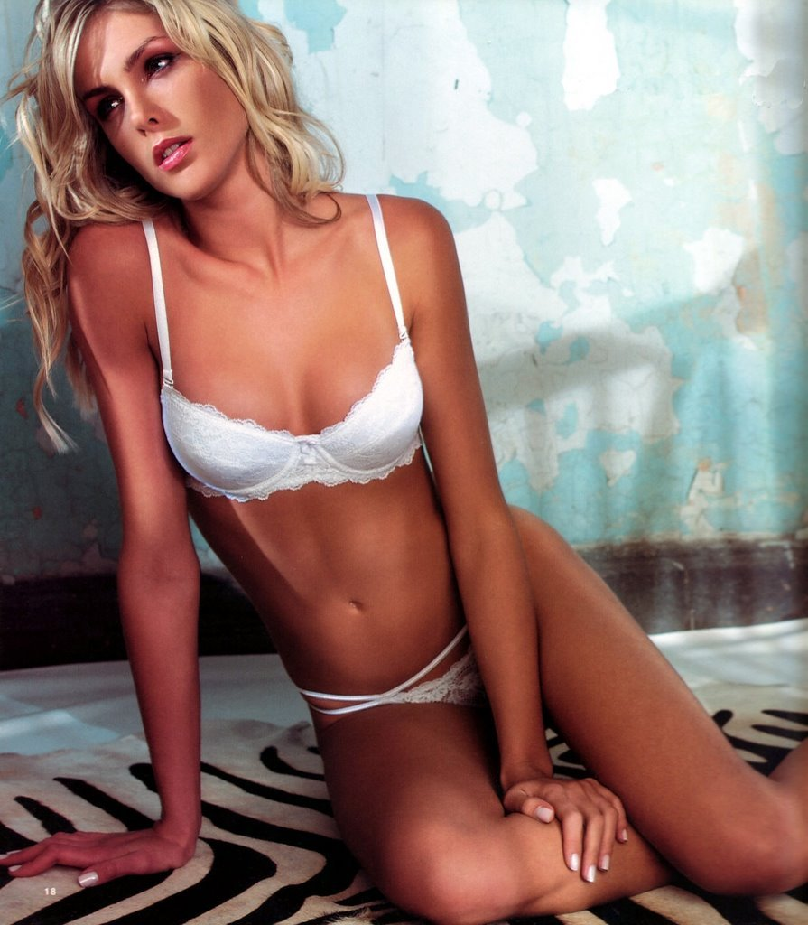 Ana Hickmann Sexy Model