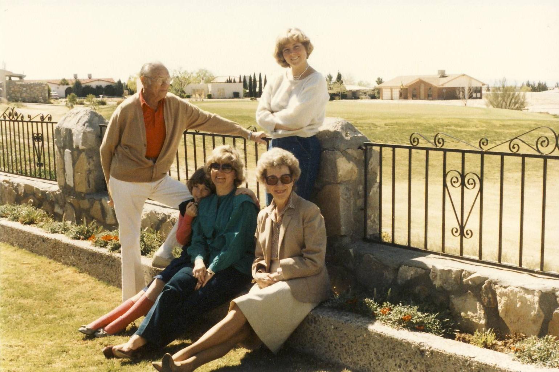 [April+1,+1985+-+Sue,+Luta,+Mom,+Dianne,+Jack+at+Jack+&+Luta]