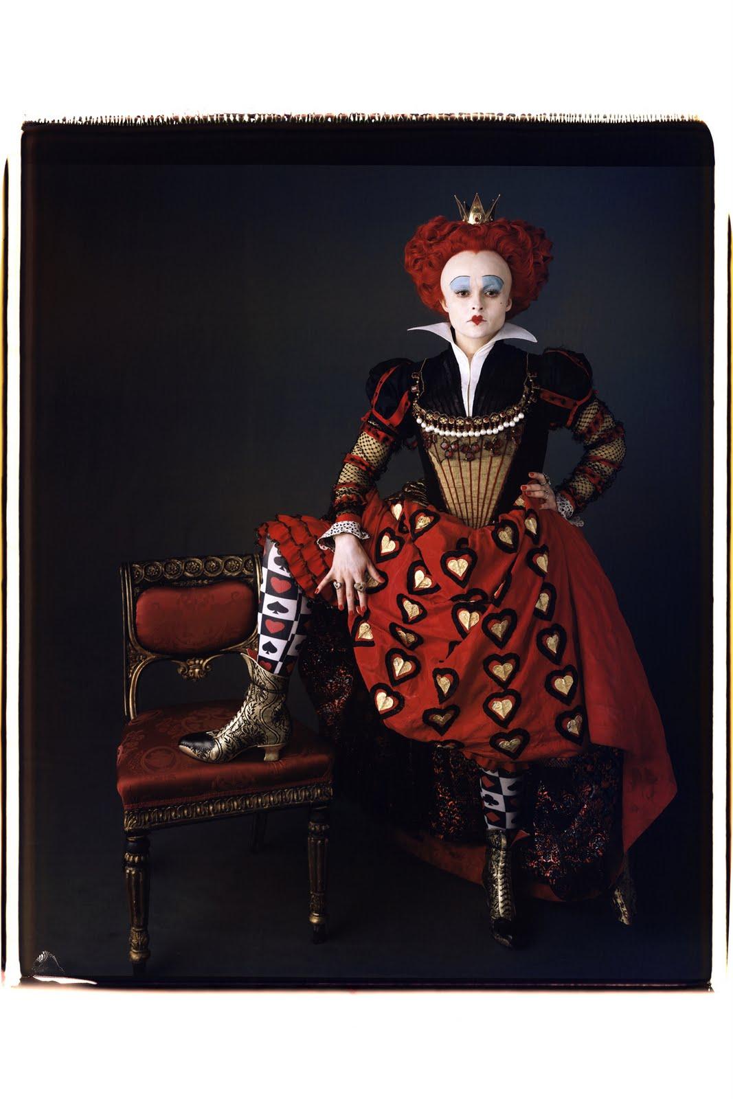http://3.bp.blogspot.com/_baPhnmBaQVc/S8-WVJH9SfI/AAAAAAAAAJM/cu8-FPccHuc/s1600/helena-bonham-carter-in-alice-in-wonderland_vanity-fair.jpg