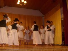 táncoslábú ördögfiókák