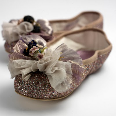 What 39 s up trouvaillesdujour haute couture ballet shoes for Haute couture shoes