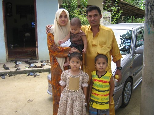 MY AUNTY HASILA & PAK LAN WITH THIER FAMILY