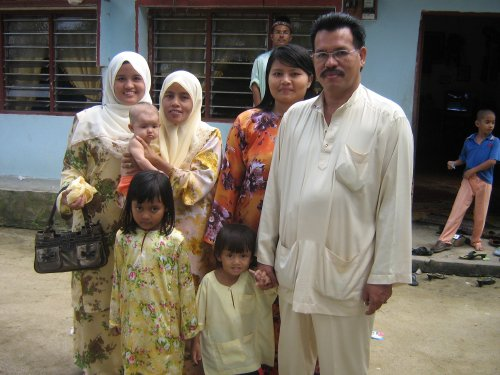 MY AUNTY & HIS FAMILY IN MAHANG - RAYA 2007
