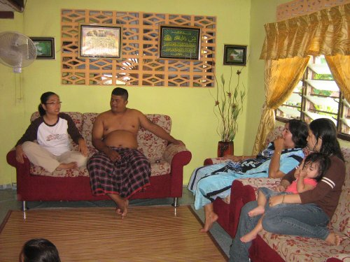MY FAMILY IN PRT BUNTAR tengah berubat orang sakit. (TOKMOH SIAM TOK ZAM PRONG TAI)