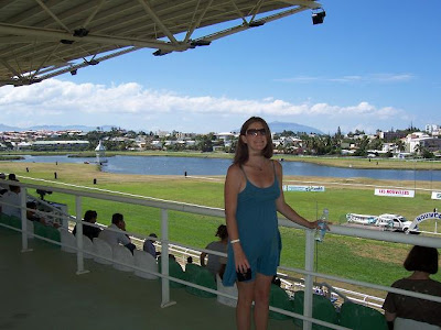 horse racing track,