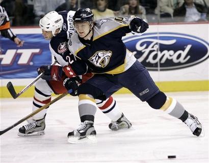 [capt.tnmh10201130238.blue_jackets_predators_hockey_tnmh102]