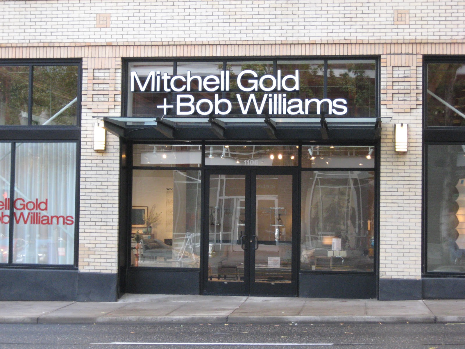 MITCHEL GOLD + BOB WILLIAMS STORE IN MASSACHUSETTS MITCHEL GOLD + BOB WILLIAMS STORE IN MASSACHUSETTS IMG 1550