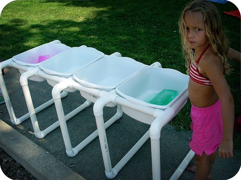 Joyrevisited diy sensory table for children for Diy sand and water table pvc