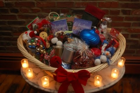 Christmas party ideas on a budget mylot - drawing names for christmas? free