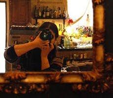 Laura allo specchio