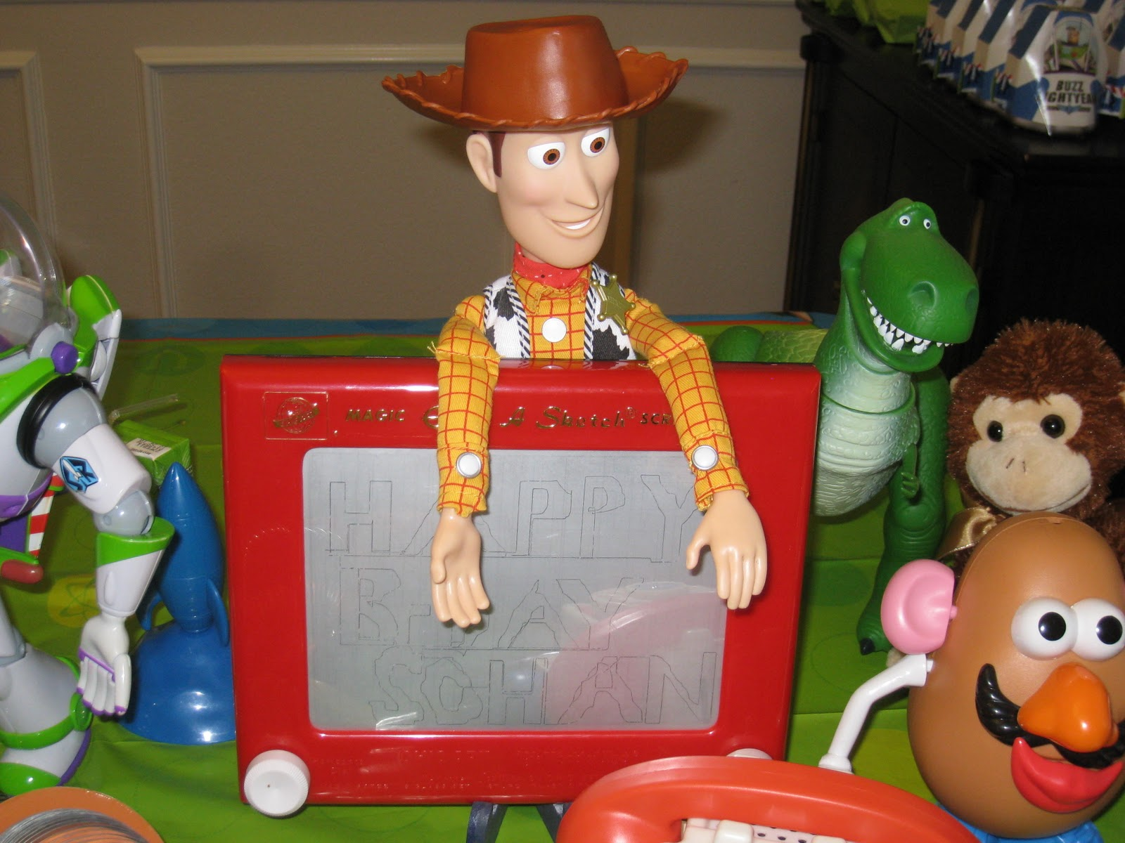 Toy Story Birthday Party : The party wall toy story