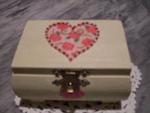 scatolina decoupata con perline