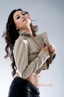 Model Indonesia telanjang
