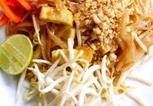ผัดไทยปลาอินทรี