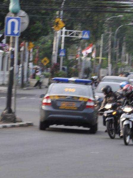 sumber = http://dunia-panas.blogspot.com/2010/11/5-foto-kelakuan