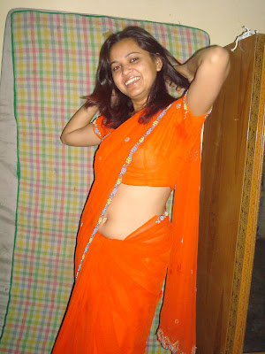 Indian wife navel in saree