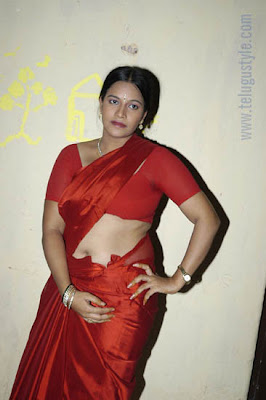 saree nude aunty red bra desi red