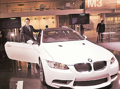 Auto expo 2008 new delhi cars bikes photo pictures photos car bike motorcycle general motors Cadillac cts Volvo c70 hyundai qarmaq karma bmw m3 convertible coupe Suzuki hayabusa