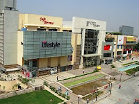 shopping mall delhi rajouri garden city square west gate westgate shoppers stop tdi paragon mgf metro train station jewellery gurgaon shopping sale discount stores christmas festival carnival